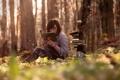 Картинка лес, девушка, книги