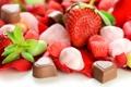 Картинка шоколад, клубника, конфеты, сладости