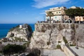 Картинка город, скала, фото, Италия, Tropea