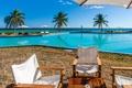 Картинка море, пляж, природа, тропики, пальмы, бассейн, зонтики