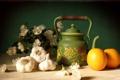 Картинка цветы, стол, чайник, Апельсины, чеснок