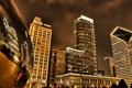Картинка ночь, огни, отражение, небоскребы, Чикаго, США, монумент