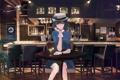 Картинка взгляд, девушка, улыбка, стол, бар, шляпа, платье