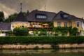 Картинка зелень, цветы, дом, пасмурно, вечер, Германия, канал