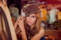 Картинка портрет, декольте, шляпка