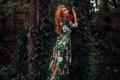 Картинка взгляд, девушка, деревья, платье, рыжая, локоны
