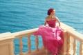 Картинка море, платье, актриса, фотограф, туфли, перила, Natalie Portman
