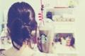 Картинка девушка, фон, обои, настроения, брюнетка, кружка. напиток