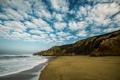 Картинка песок, море, небо, облака, горы, берег