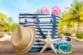 Картинка пляж, лето, отдых, полотенце, шляпа, очки, summer