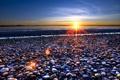 Картинка море, солнце, лучи, камни, фото, берег, горизонт