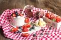 Картинка клубника, десерт, голубика, йогурт