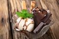 Картинка шарики, шоколад, мороженое, орехи, десерт, орешки, сладкое